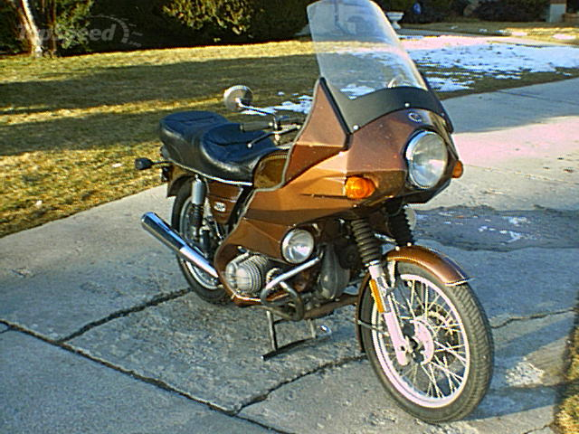 1976 BMW R90-6 with Avon Arrow fairing.jpg